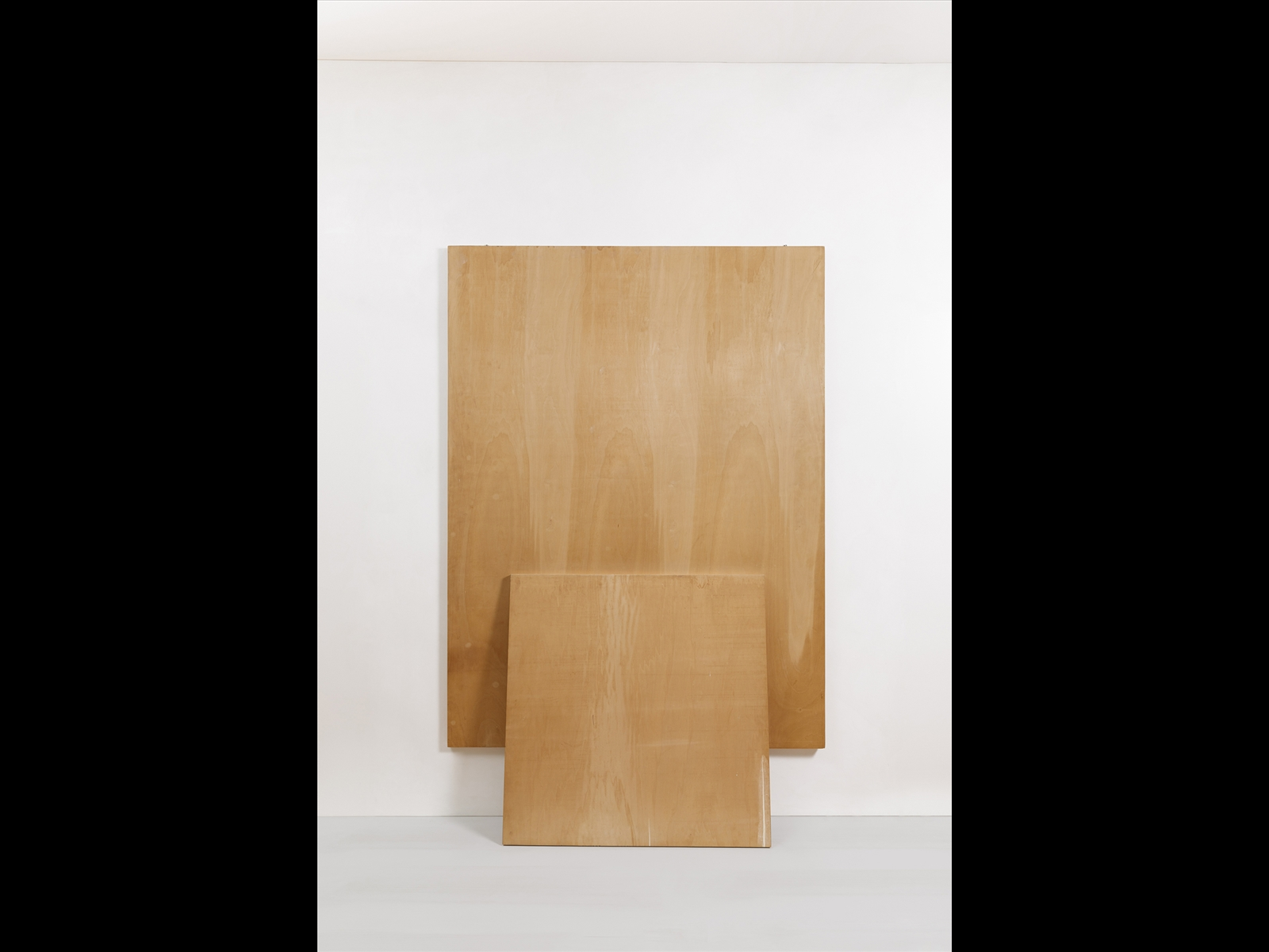 plywood boards, two elements, cm 200 x 150, cm 102 x 102. Private collection, Milano © Roberto Marossi